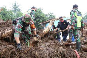 Banjir Bandang, Bencana Alam, BPBD, Sat Brimob Polda jabar, Polres Sukabumi, Tim SAR, Posko Bencana, Kampung Cibuntu, Sukabumi