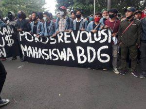 gabungan solidaritas Bandung, Aksi Demo, HMI Cabang Bandung, UU Cipta Kerja, DPR RI, intra parlementer, Tolak UU Omnibuslaw, Tolak UU Cipta Kerja, Orientasi Terhadap Nasionalisme