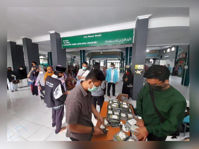 BKPRMI membagikan 1000 Iqra, Pengurus Remaja Masjid Indonesia