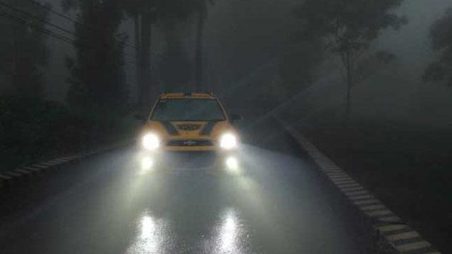 bahaya lampu hid, berkendara dibawah guyuran hujan