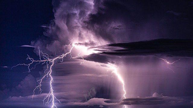 Hari Kedua Lebaran, BMKG Waspadai Hujan Petir