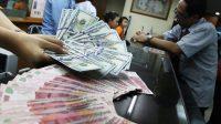 menjaga stabilitas makroekonomi, stabilisasi nilai tukar rupiah