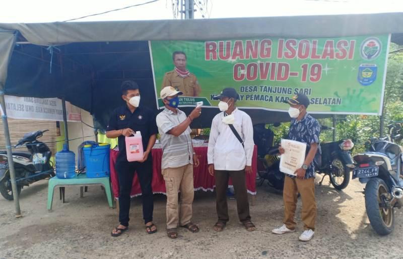 Tampak Suasana Di Posko Covid 19, Warga Sedang Diperiksa Saat Mau Masuk Desa Tanjung Sari